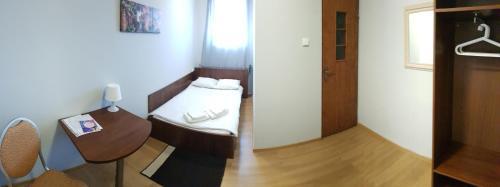 Łóżko lub łóżka w pokoju w obiekcie Romeo&Julia