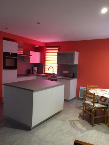 Een keuken of kitchenette bij Résidence Froehn