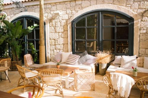 A porch or other outdoor area at GAIA ALAÇATI