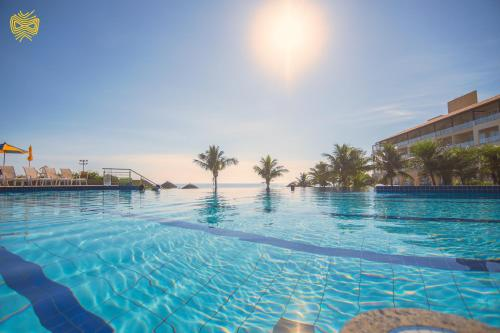 The swimming pool at or close to Costão do Santinho Resort All Inclusive