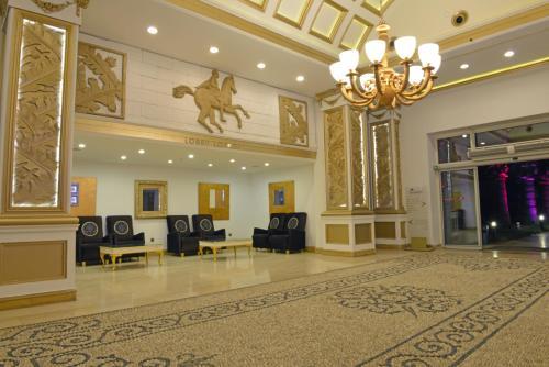 De lobby of receptie bij Yelken Mandalinci Spa&Wellness Hotel