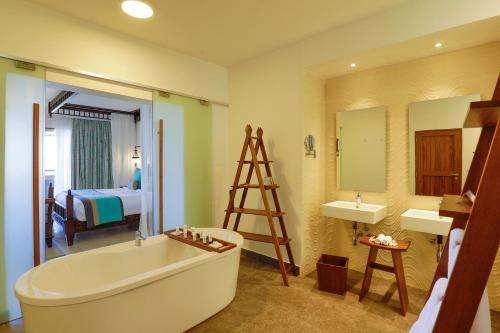 Un baño de Royal Zanzibar Beach Resort