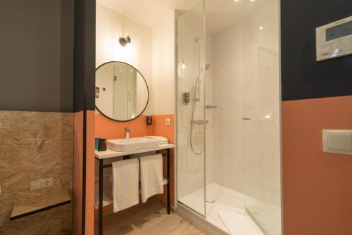 A bathroom at ibis Styles Wien Messe Prater