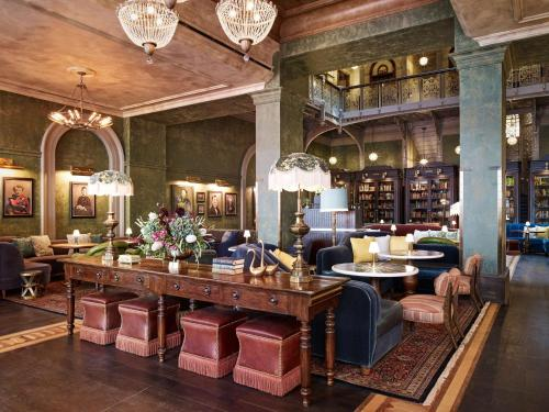 A restaurant or other place to eat at The Beekman, a Thompson Hotel