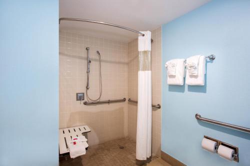 A bathroom at Days Inn by Wyndham Florida City