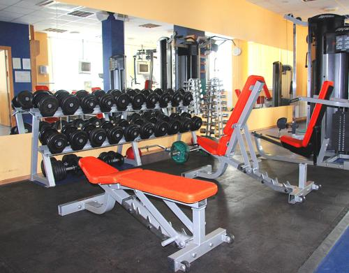 The fitness center and/or fitness facilities at Riga Islande Hotel with FREE Parking