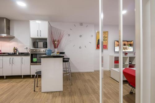 Een keuken of kitchenette bij Apartamento San Isidro, OZONO