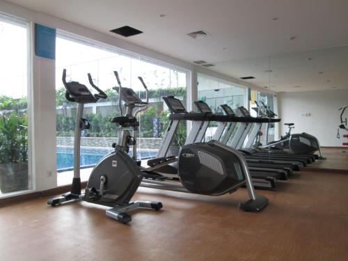 The fitness center and/or fitness facilities at ibis Styles Cikarang
