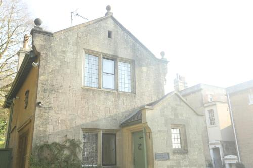 Entire Victorian Lodge in a privately gated estate with secure parking for two cars and a newly refurbished kitchen.