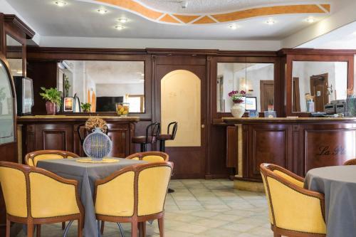 The lobby or reception area at Hotel La Playa
