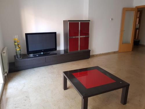 A television and/or entertainment center at piso turístico