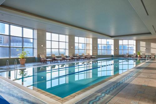 The swimming pool at or close to Grand Nikko Tokyo Daiba
