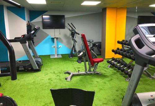 The fitness center and/or fitness facilities at Hotel Ritual Torremolinos- Adults Only