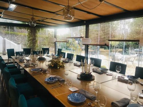 Un restaurante o sitio para comer en Box Art Hotel - La Torre