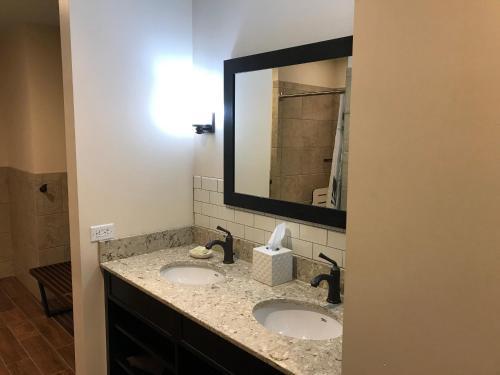 A bathroom at Village Hotel on Biltmore Estate