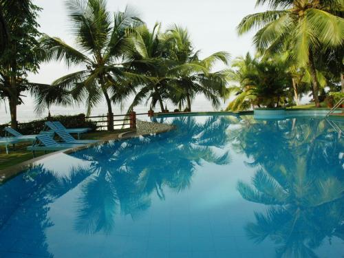 The swimming pool at or near Soma Manaltheeram Ayurveda BeachVillage