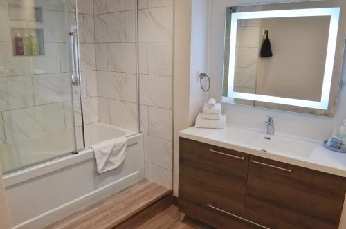 A bathroom at Coast High Country Inn