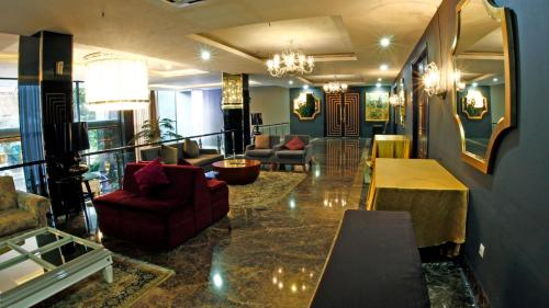 The lobby or reception area at Amaroossa Cosmo Jakarta