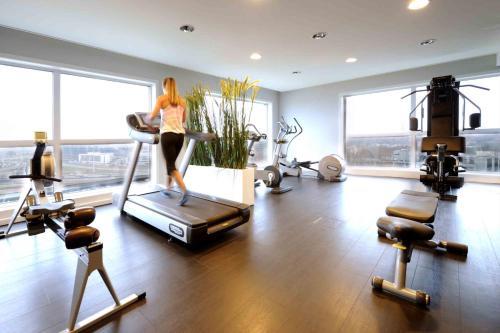 Das Fitnesscenter und/oder die Fitnesseinrichtungen in der Unterkunft Van der Valk Hotel Brussels Airport