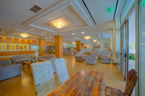 Hall ou réception de l'établissement Elea Beach Hotel