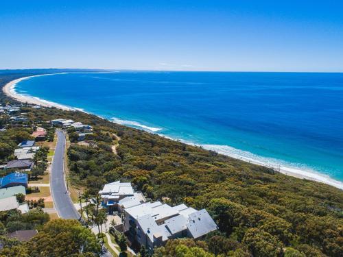 A bird's-eye view of Rainbow Ocean Palms Resort