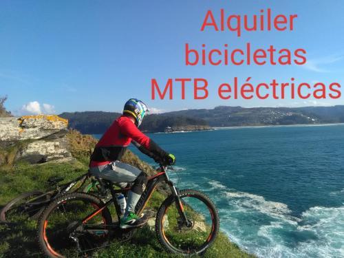 Montar en bicicleta en Hostal Meson Leira Antiga o alrededores
