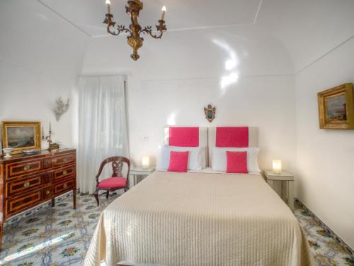 A bed or beds in a room at Villa Silia