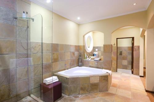 A bathroom at Shangri-La Manor