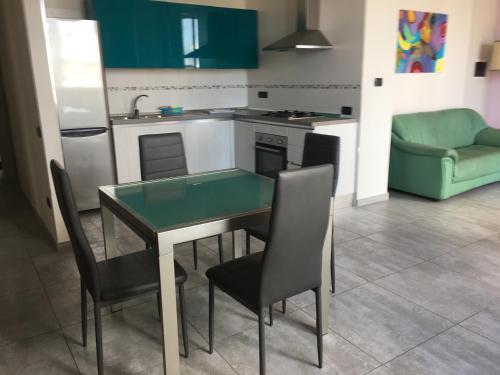 A kitchen or kitchenette at Blu Mare