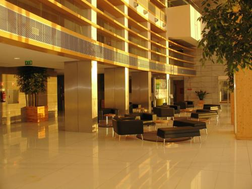 The lobby or reception area at VIP Executive Azores Hotel