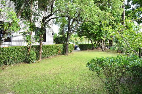 A garden outside Kaohsiung Meinong Rabbit Paul Homestay B&B