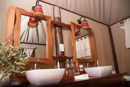Salle de bains dans l'établissement Elephant Bedroom Camp - Samburu