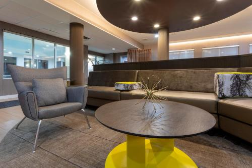 The lobby or reception area at SpringHill Suites Rochester Mayo Clinic Area / Saint Marys