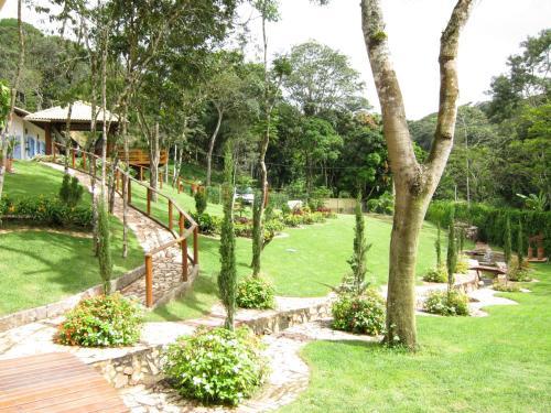 A garden outside Sitio Telhado do Ceu