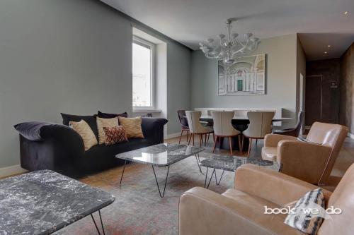 The lounge or bar area at Portico D'Ottavia - Bookwedo