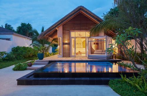 Бассейн в Fairmont Maldives, Sirru Fen Fushi или поблизости