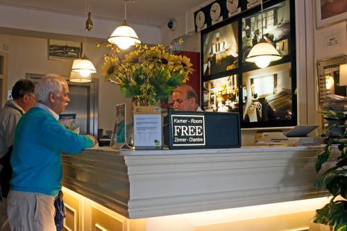 Hall ou réception de l'établissement Hotel Prins Hendrik