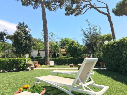 A garden outside Il Miraggio