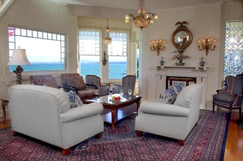 A seating area at Seven Gables Inn on Monterey Bay, A Kirkwood Collection Property