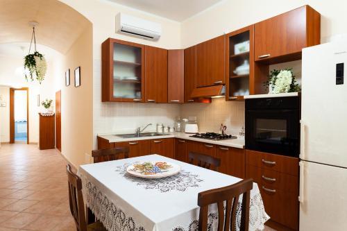 Cucina o angolo cottura di Doris House Sorrento