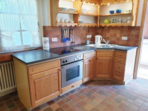 A kitchen or kitchenette at Rur Haus