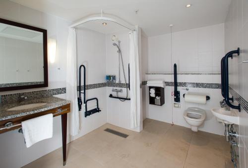 A bathroom at Hampton By Hilton Liverpool City Centre