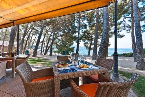 En restaurang eller annat matställe på Formentor, a Royal Hideaway Hotel