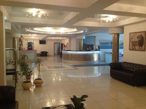 Лобби или стойка регистрации в Отель Мираж