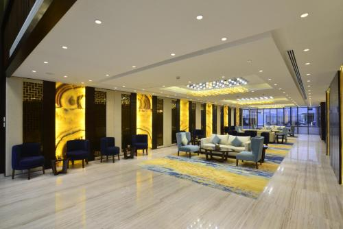 منطقة الاستقبال أو اللوبي في فندق نافيتي ورويك الدمام