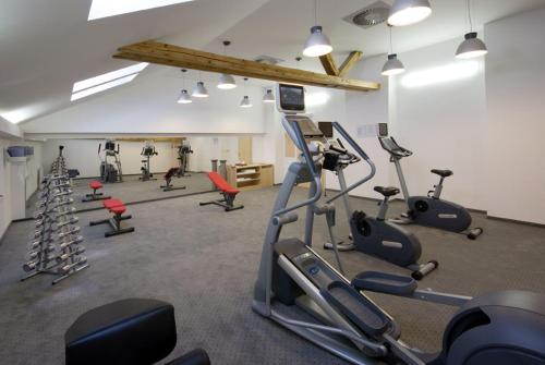 The fitness center and/or fitness facilities at Grandhotel Brno