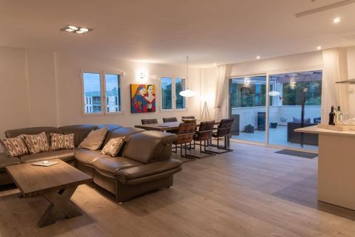 A seating area at Penthouse Bella Vista