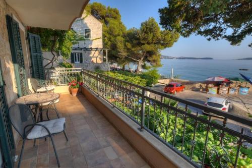A balcony or terrace at Apartments Villa Palma