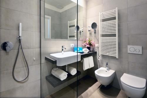 Bagno di Hotel Monte Baldo e Villa Acquarone