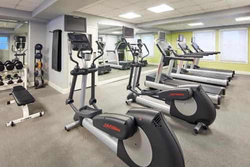 The fitness center and/or fitness facilities at Hotel Adagio, Autograph Collection